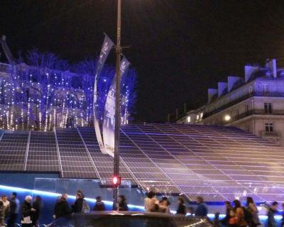 Les Champs-Elysées éclairés à l'énergie solaire pendant la COP21 (L'Echo du Solaire)